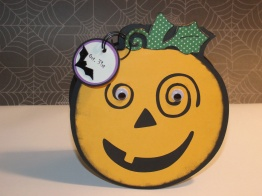 Jack-O-Lantern Shaped Card - Cricut's Potpourri Basket (originally from Stretch Your Imagination)