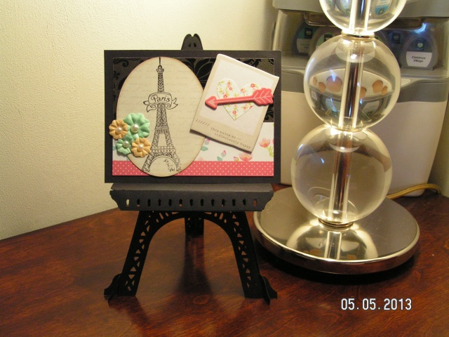 Fancy Frames Easel with Postcard Artwork
